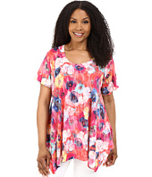 Nally & Millie - Plus Size Fuchsia Floral Sharkbite Tunic