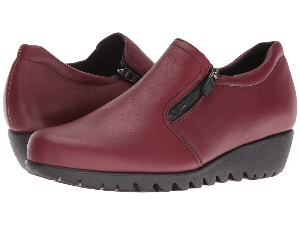 MUNRO Napoli (Red Leather) Women's Slip on  Shoes