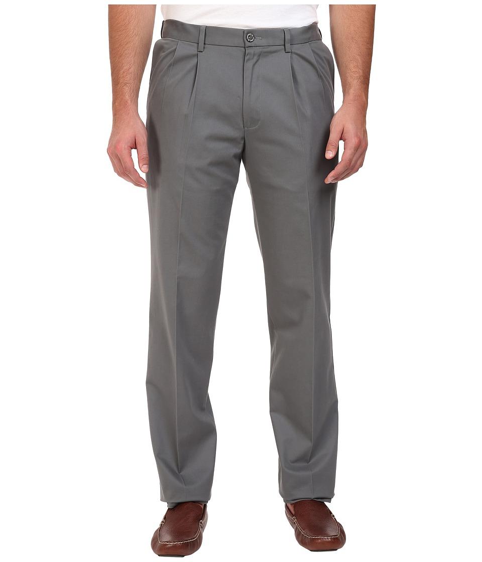 Dockers - Big Tall Signature Khaki D3 Classic Fit Pleated (Burma Grey Stretch) Mens Clothing