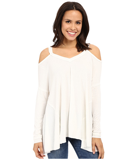 Culture Phit Constance Cold Shoulder Ribbed Top