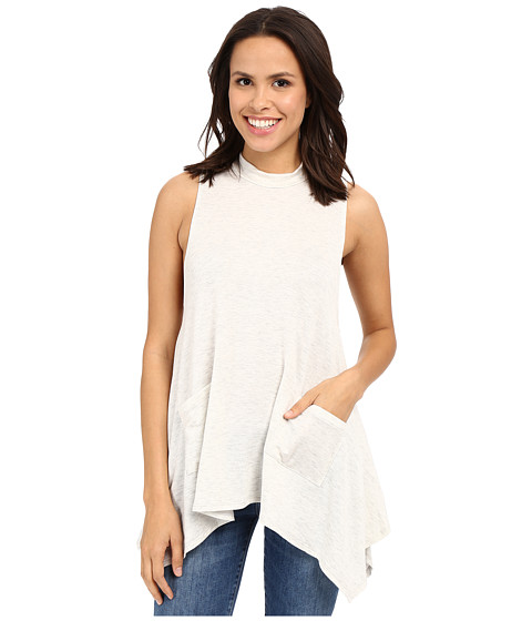 Culture Phit Darcie Sleeveless Top with Pockets