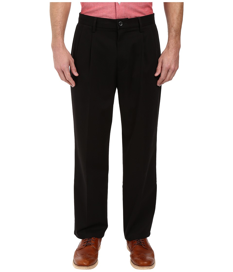 Dockers - Signature Khaki D4 Relaxed Fit Pleated (Black Stretch) Mens Casual Pants
