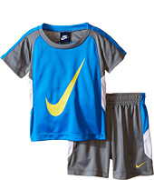 Nike Kids - Swoosh™ GFX Short Sleeve Shorts Set (Infant)