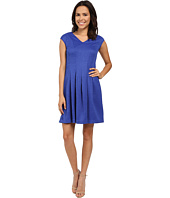 Christin Michaels - Gloria Cap Sleeve V-Neck Pleated Dress
