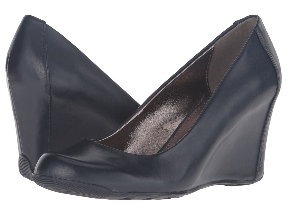 Kenneth Cole Reaction Did U Tell (Navy Leather) Women