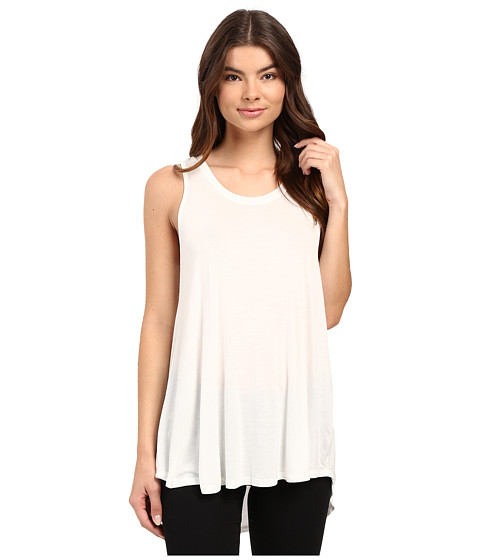 Culture Phit Luciana Sleeveless Pleated Back Top