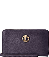 Tommy Hilfiger - TH Serif Signature - Carryall Wristlet