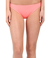Vince Camuto - Milos Solids Classic Bottom w/ Logo Bar