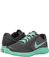 Nike Kids - Revolution 3 SE (Big Kid)