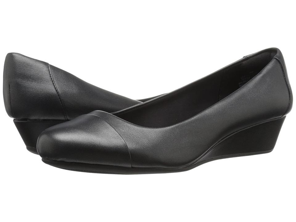 Easy Spirit Daneri (Black/Black Leather) Women