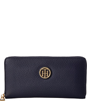 Tommy Hilfiger - Serif Signature - Large Zip Around Wallet