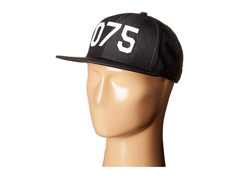 Oakley Oakley Perf Hat O75