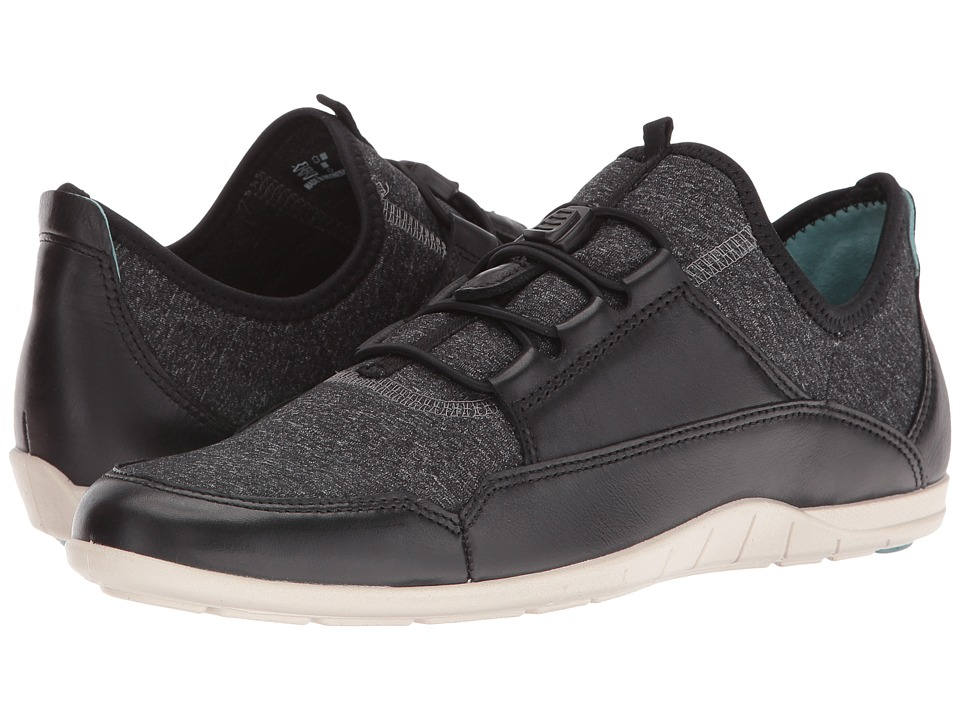 ECCO Bluma Sport Toggle (Black/Black/White/Black) Women