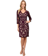 Adrianna Papell - Lined Two-Tone Art Deco Lace Sheath Dress with V-Necklin