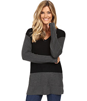 Vince Camuto - Long Sleeve V-Neck Waffle-Stitch Color Block Sweater