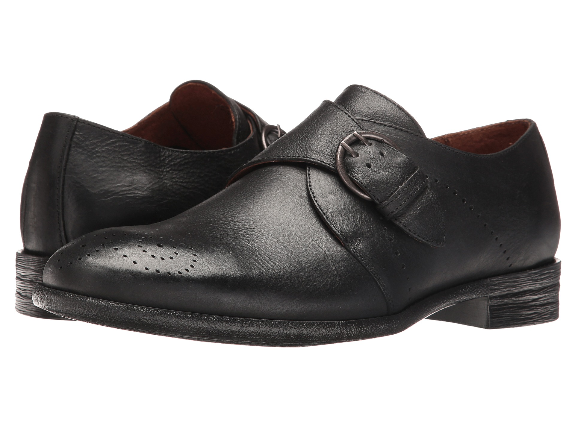 Robert Wayne shoes feature a combination unique fabrication and extraordinary stitching with lightweight soles. Monk straps, classic lace-ups, and slip-on styles round out the Robert Wayne footwear collection. Robert Wayne shoes and boots attract compliments without being too flashy.