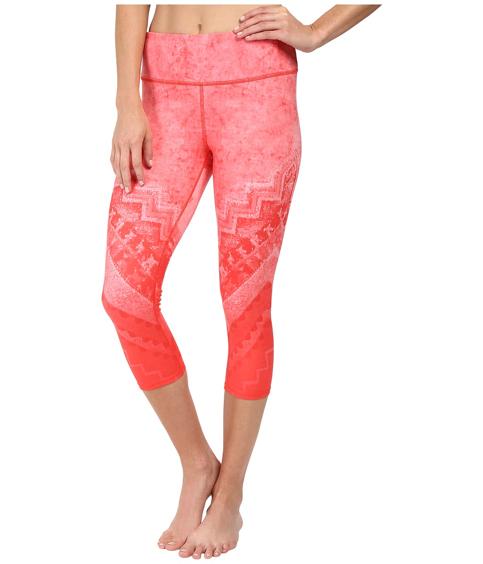 Image of ALO - Airbrushed Capri (Poppy Casbah) Women's Workout