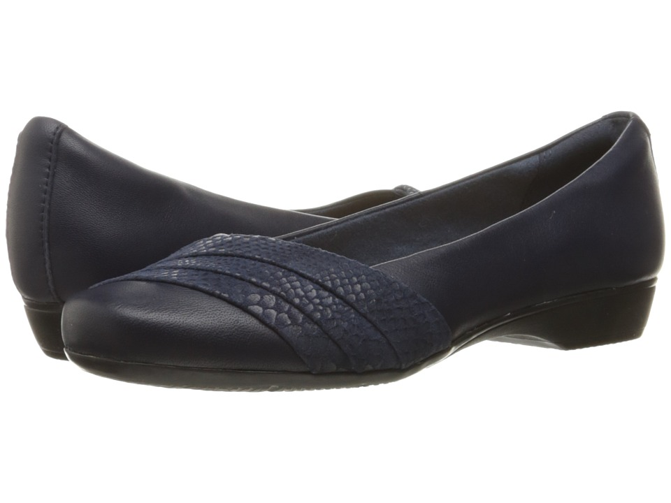 Clarks Blanche Cacee (Navy Leather) Women
