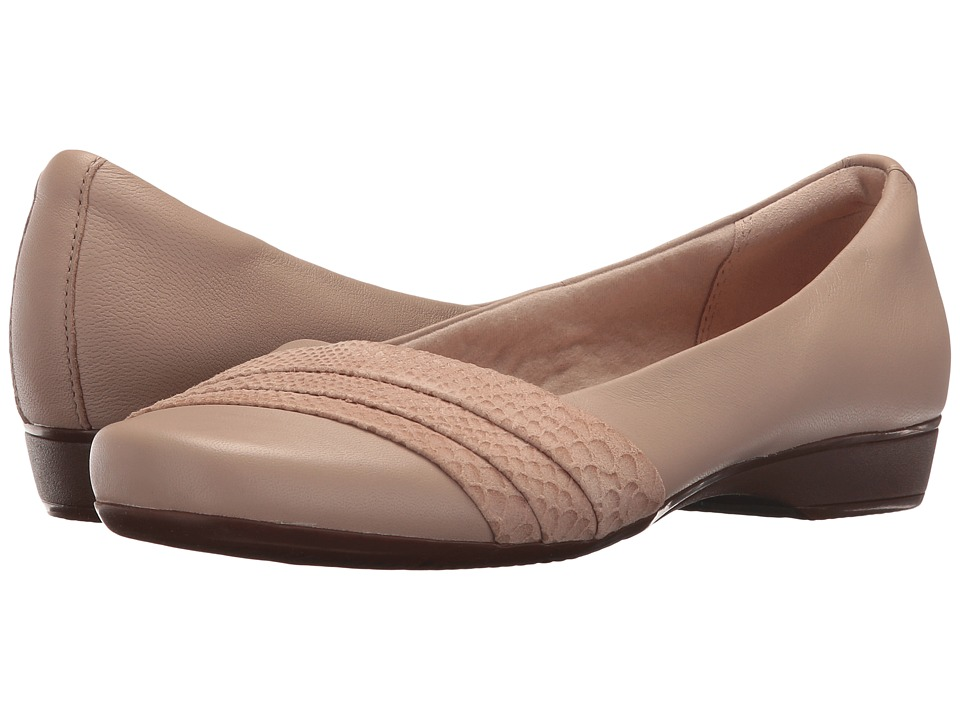 Clarks Blanche Cacee (Sand Leather) Women
