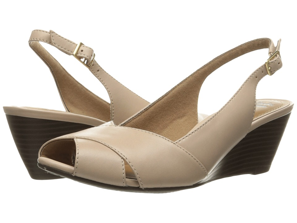 Clarks - Brielle Kae (Nude Leather) Womens  Shoes