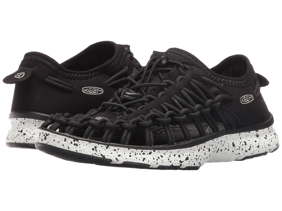 Keen Kids Uneek O2 (Little Kid/Big Kid) (Black/White) Kid's Shoes