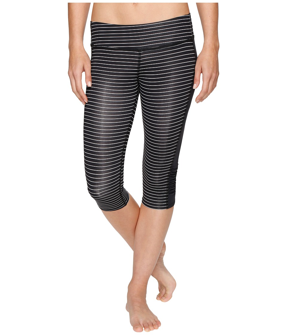 Carve Designs Hampton Capris (Black Aruba Stripe) Women