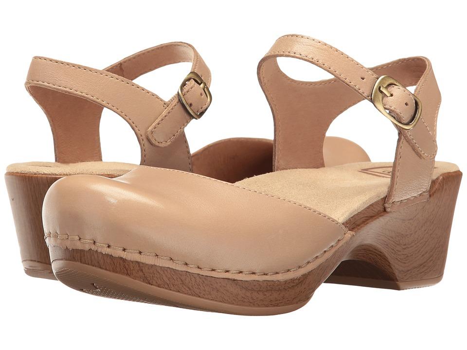 Dansko Sam (Sand Dollar Full Grain) Women's 1-2 inch heel...