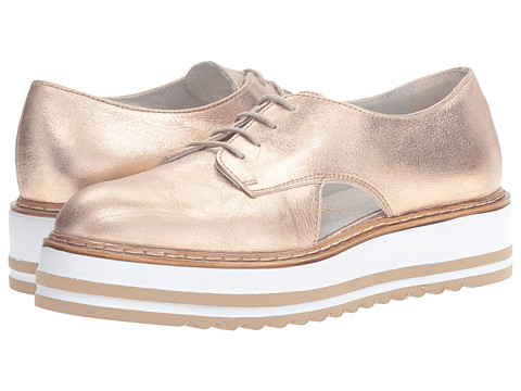 Summit by White Mountain Brody - Gold Metallic Leather