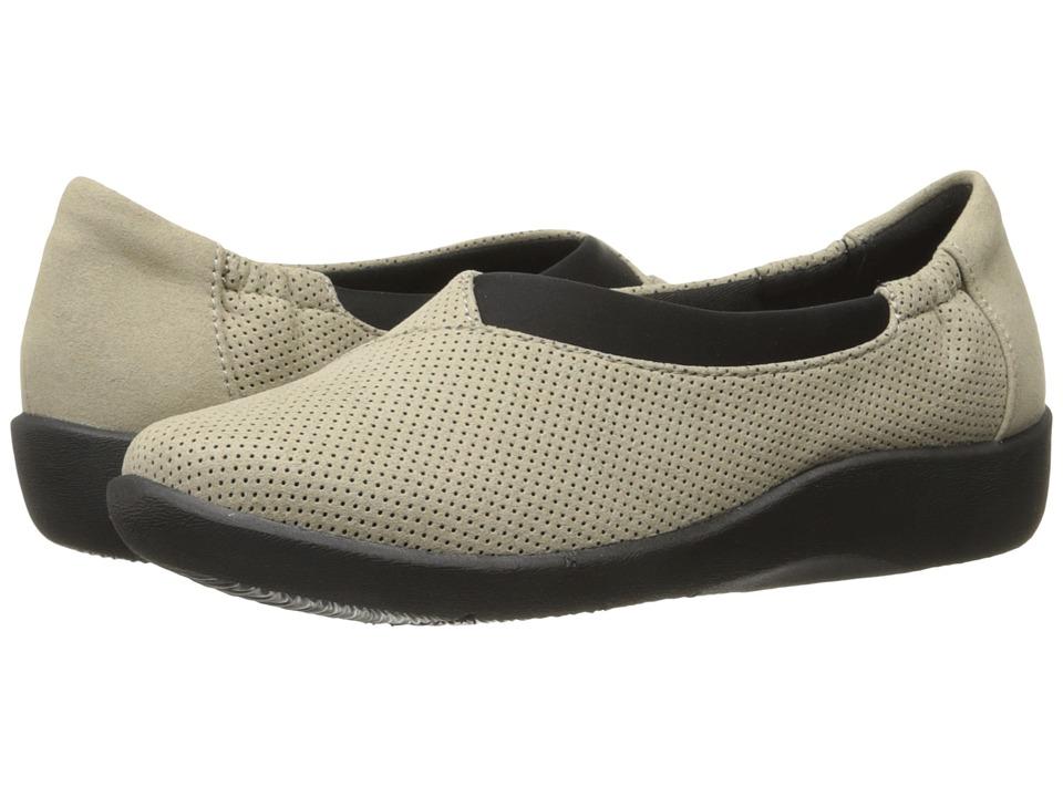Clarks - Sillian Jetay (Desert) Womens Slip on  Shoes