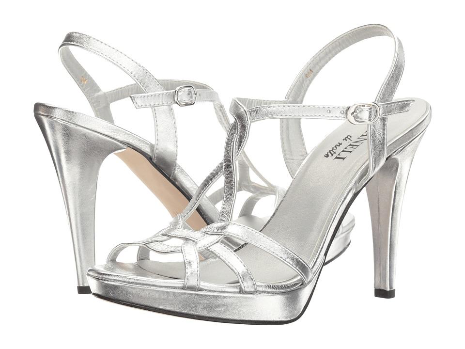 Vaneli Qamar (Silver Metalllic Nappa/Silver Buckle) High Heels
