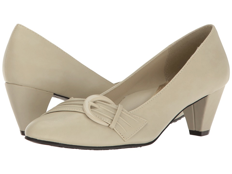 Soft Style Deslyn (Bone Vitello) Women