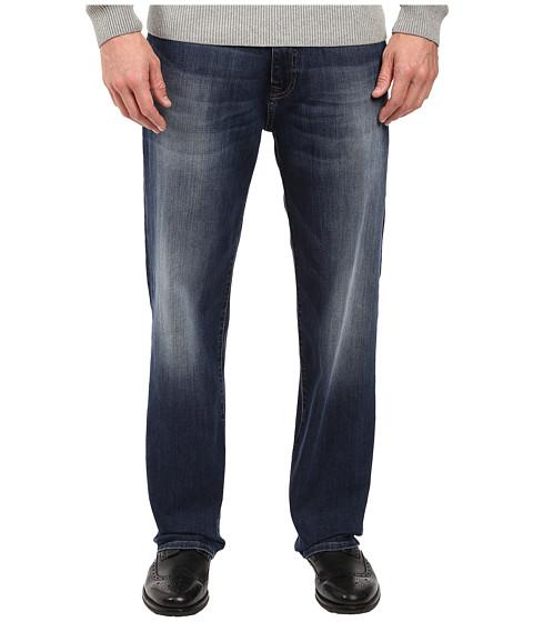 Mavi Jeans Max in Dark Festival