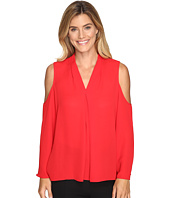 Vince Camuto - Long Sleeve Cold-Shoulder Invert Pleat V-Neck Blouse