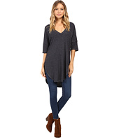 Lucy Love - V-Neck Basic Tee