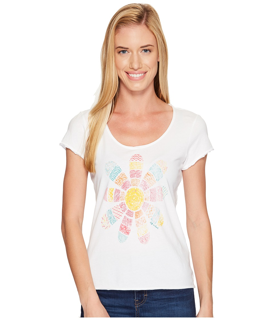 Life is good Daisy Patchwork Smooth Tee (Cloud White) Women