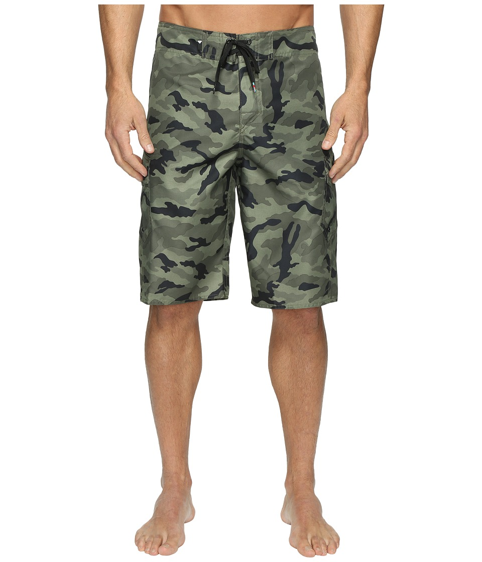 Quiksilver - Manic Camo 22 Boardshorts (Forest Night) Mens Swimwear