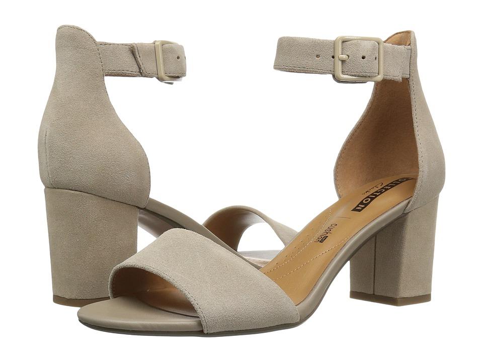 Clarks - Deva Mae (Sand Suede) Women's Sandals