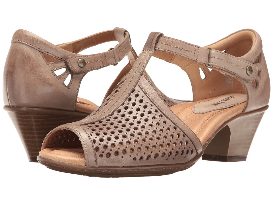 Earth Pavo (Beige Soft Leather) Women