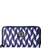 Tommy Hilfiger - TH Medallion Zip Wallet Chevron