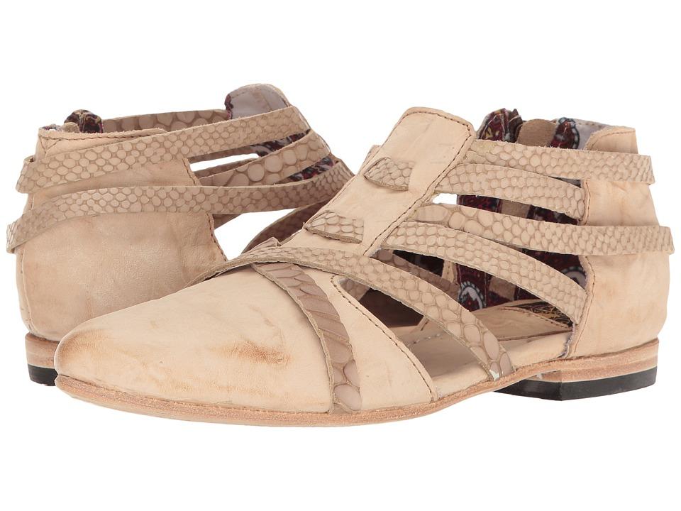 Freebird - Emory (Natural) Women's Shoes
