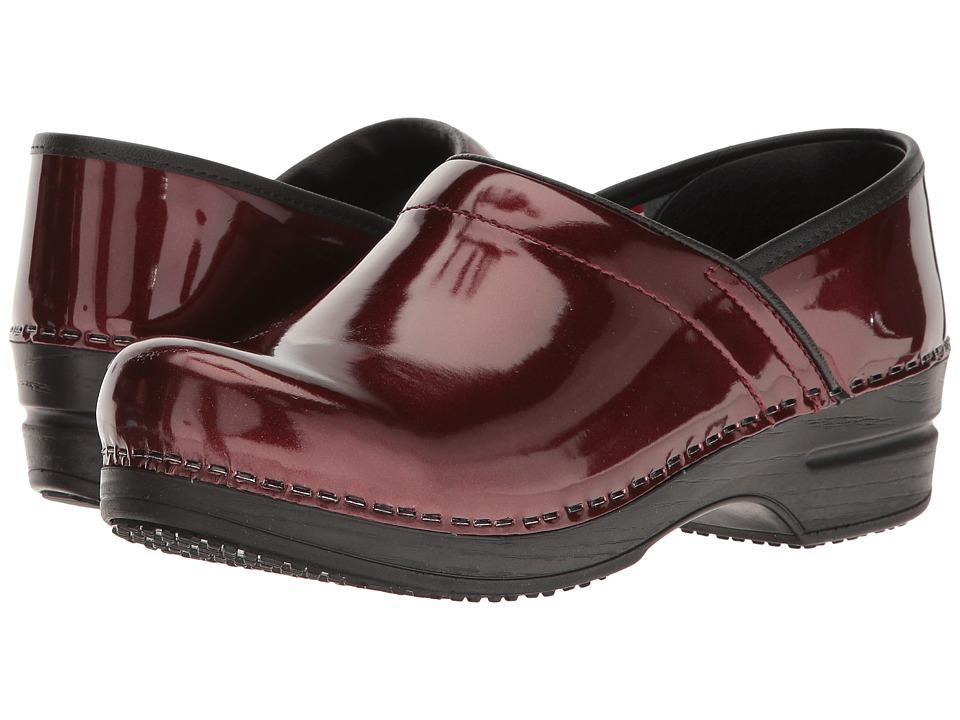 Sanita Smart Step Sable Pro (Bordeaux) Women's Slip-on Dr...