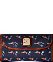 Dooney & Bourke - NFL Continental Clutch