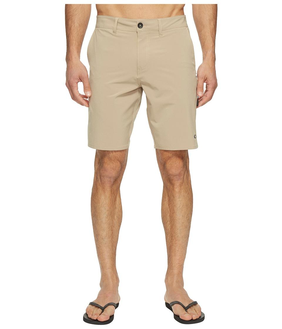 Oakley Icon Chino Hybrid Shorts (Rye) Men