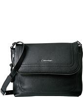 Calvin Klein - Classic Pebble Pebble Messenger