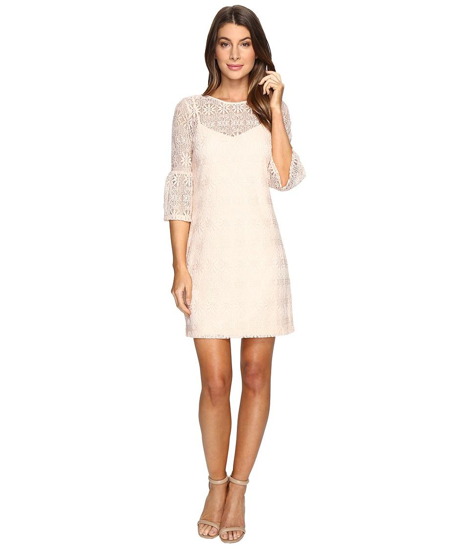 Jessica Simpson Deco Circle Lace Dress (Blush) Women