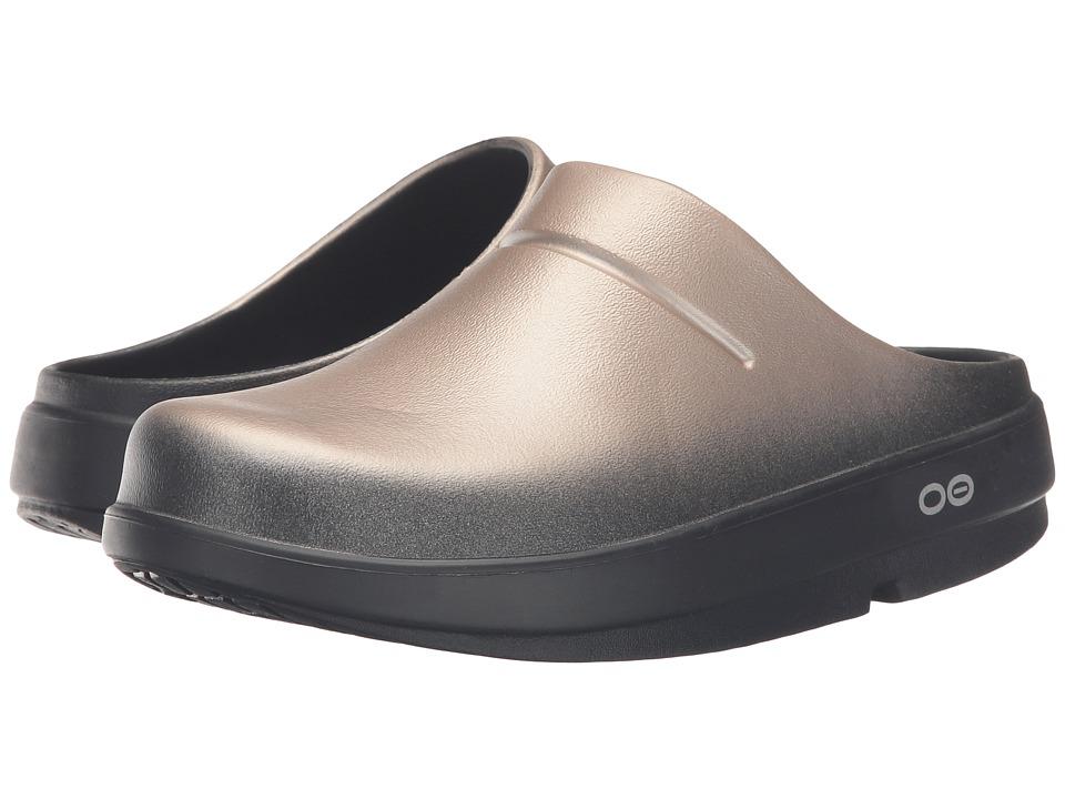 OOFOS - OOcloog Satin (Latte) Clog Shoes