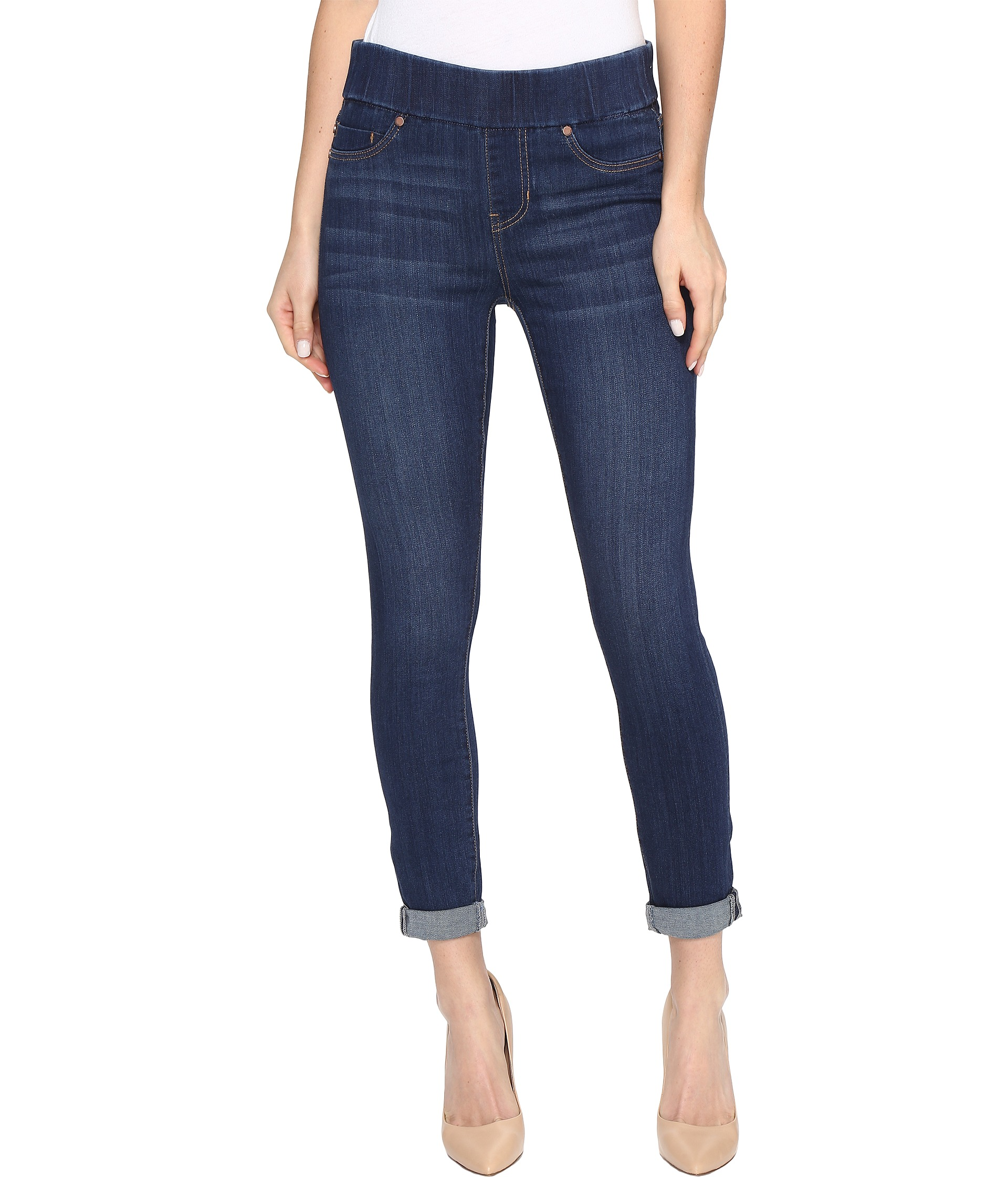 Shop our variety of women's cropped and capri jeans, available at Dillard's.