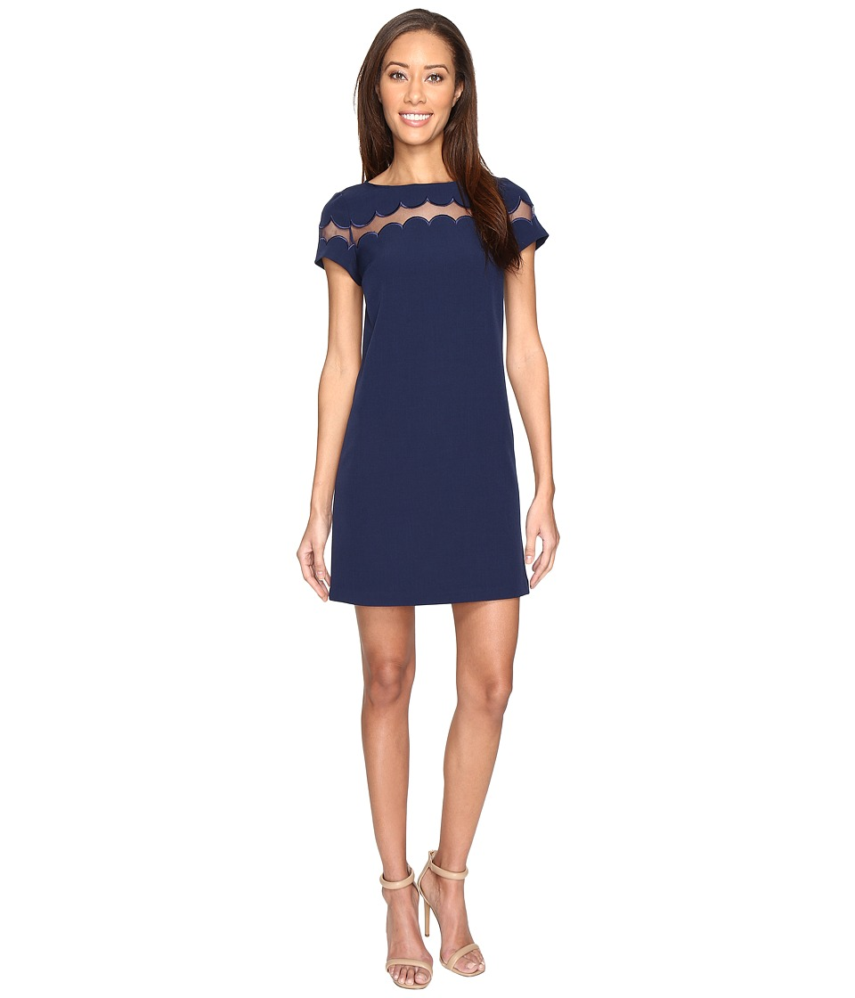 Adrianna Papell - Short Crepe Scalloped Color Blocked Shift Dress