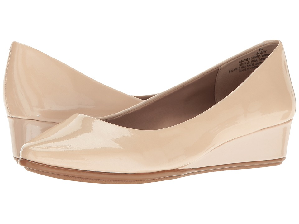 Easy Spirit Avery (Light Natural Patent) Women