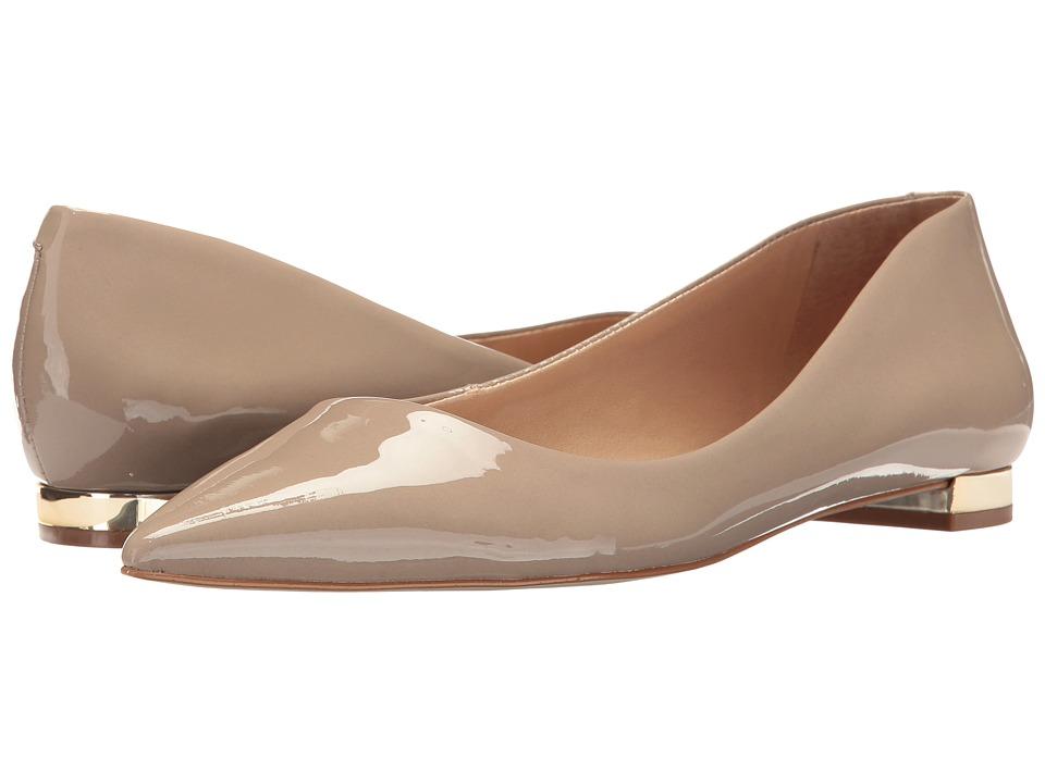 Massimo Matteo Pointy Toe Flat 17 (Desert Patent) Women